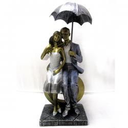 Couple Statue With Umbrella - (ARCH-422)
