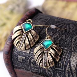 Vintage Leaf Diamond Earring