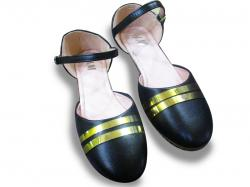 Golden Cross Black Toe shoe