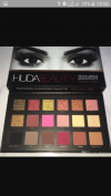 Huda beauty eyeshadow pallete