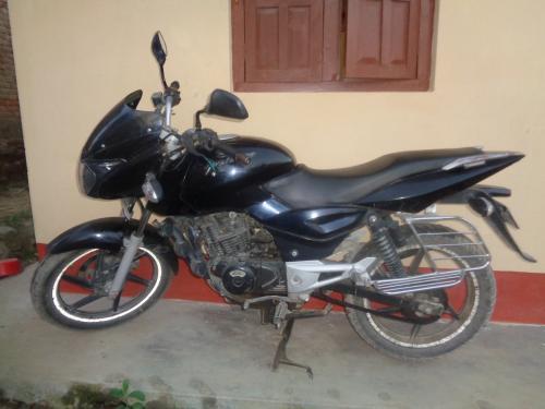 Pulsar Bike (180 cc)- Black