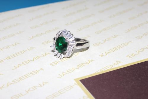 Silver Platinum ring with Zircon For your Valentine