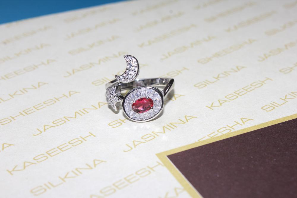 Silver Platinum ring with Zircon, Pink Crystal For your Valentine