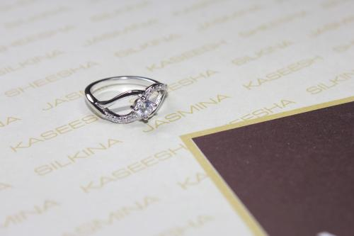 Silver Platinum ring with Zircon, mask design For your Valentine
