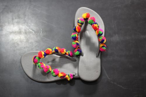 Pompom flipflops