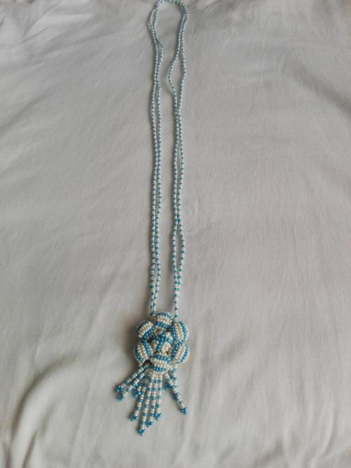 BLUE AND WHITE NECKLACE FOR GIRLS AND WOMEN