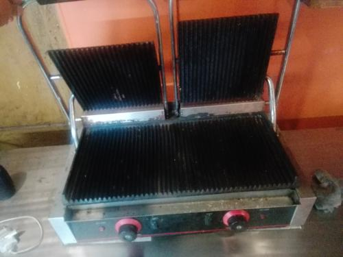Double decker toaster + grill machine