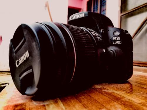 Canon 200d SL2