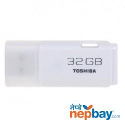 Toshiba UHYBS-032GH USB 2.0 32 GB Flash Pen Drive - White
