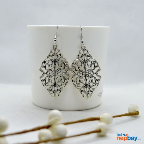 Silver Cut Out Patterned Leaf Style Earrings