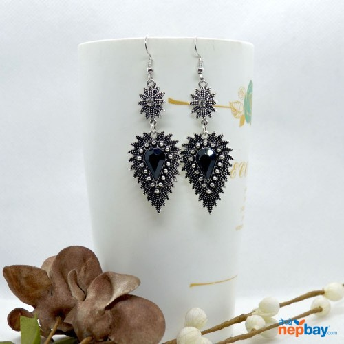 Black Stone Studded Dot Patterned Leaf Designed Earrings