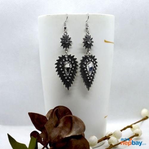 White Stone Studded Dot Patterned Leaf Designed Earrings