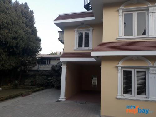 Thouse on rent at bakhundol