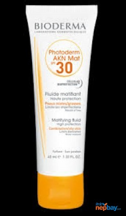 Bioderma photoderm AKN Matt sunscreen
