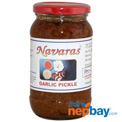 Navaras Garllic Pickle 400g