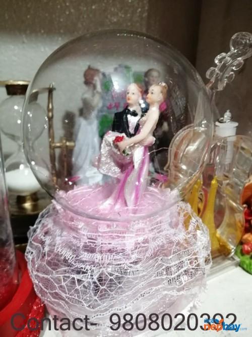 Valentine Dome Couple statute